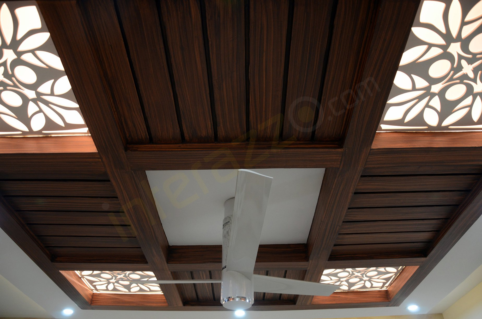 upload/bedroom/False_Ceiling_Wooden.jpg
