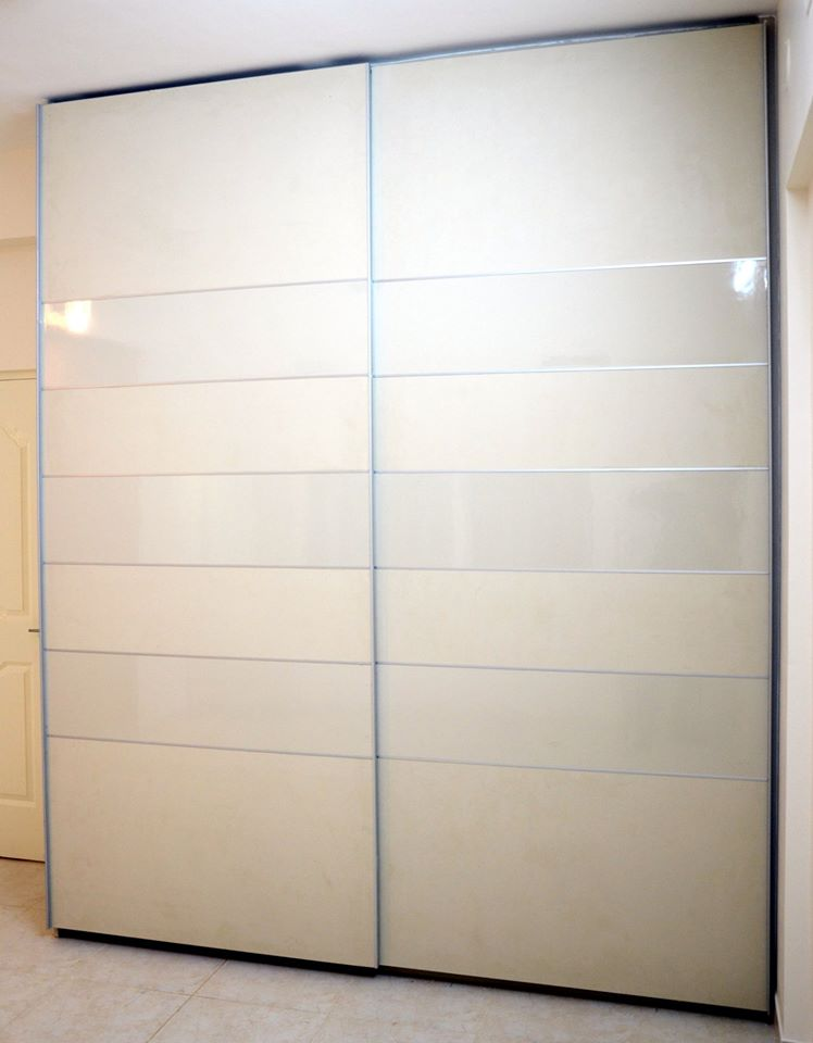 upload/bedroom/Floor_Ceiling_Laminated_Sliding_Wardrobe_Bangalore.jpg