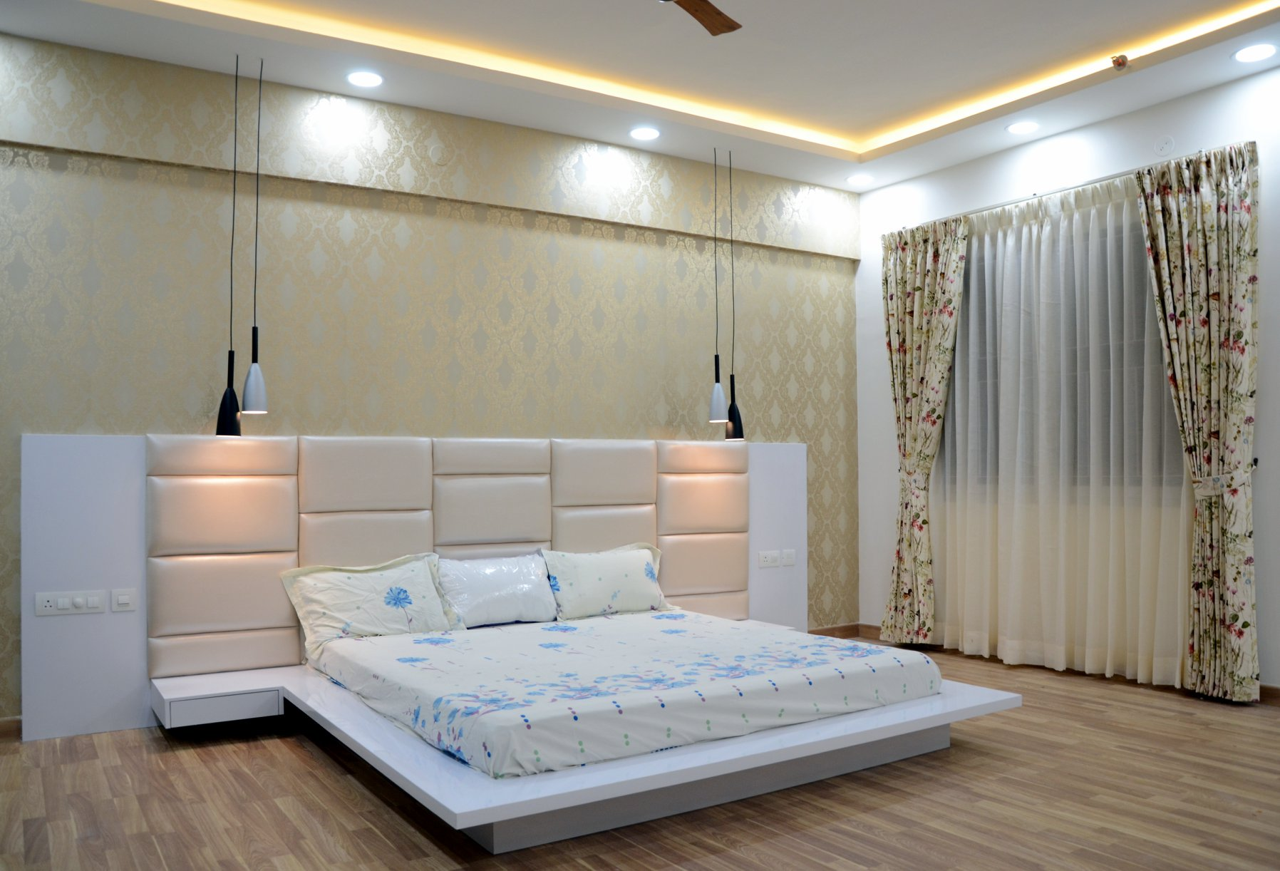 upload/bedroom/King_Size_Low_Height_Bed_Cot.jpg