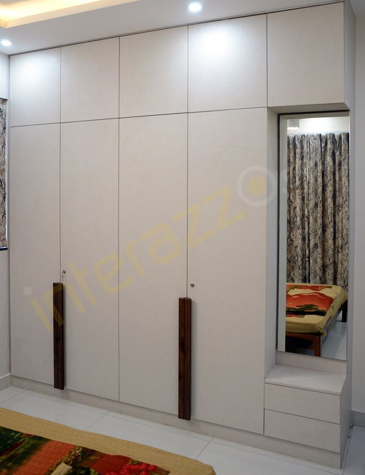 upload/bedroom/Opeanble_Wardrobe_With_Dressing.jpg